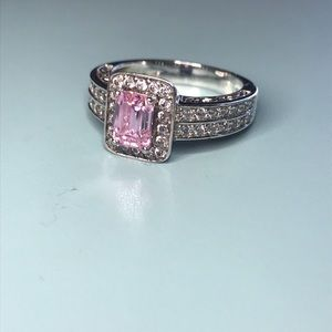 Jewelry - Sterling silver pink CZ center stone ring size 7-8